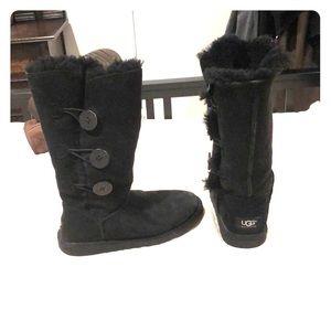 Women's Black 3 button Ugg Boots